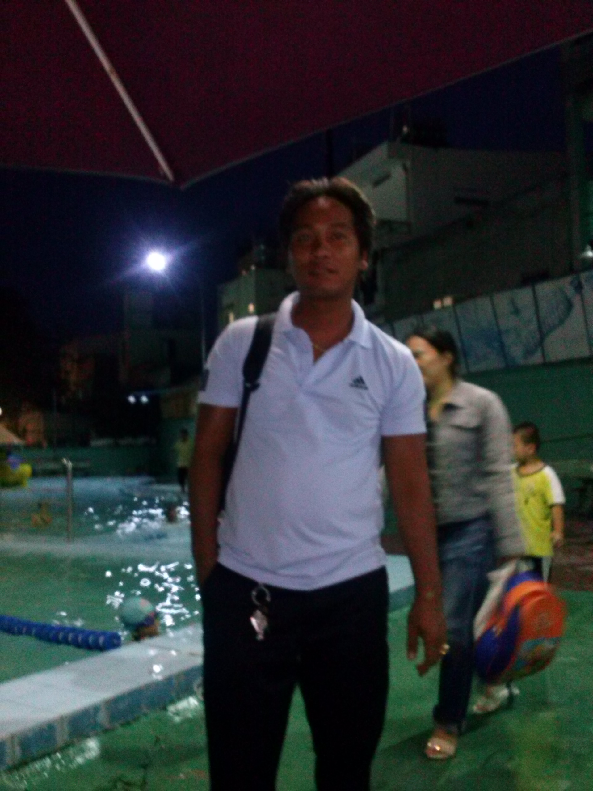 giáo viên dạy bơi thầy lê văn lộc| dayboikemrieng.com